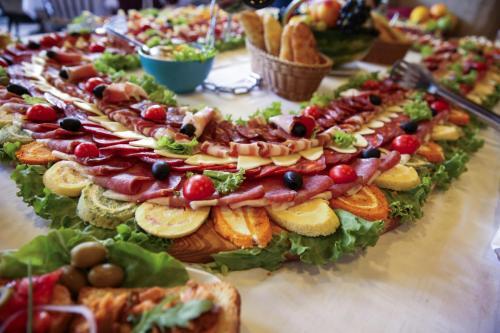 Hrana Za Proslave Restoran Campus - 008